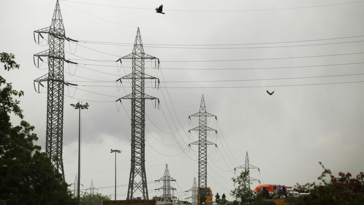 Stožáry vysokého napětí u indického Dillí