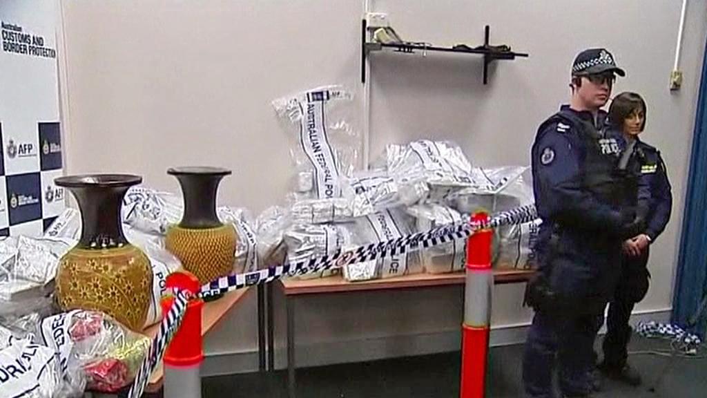 Australská policie se zabavenými narkotiky