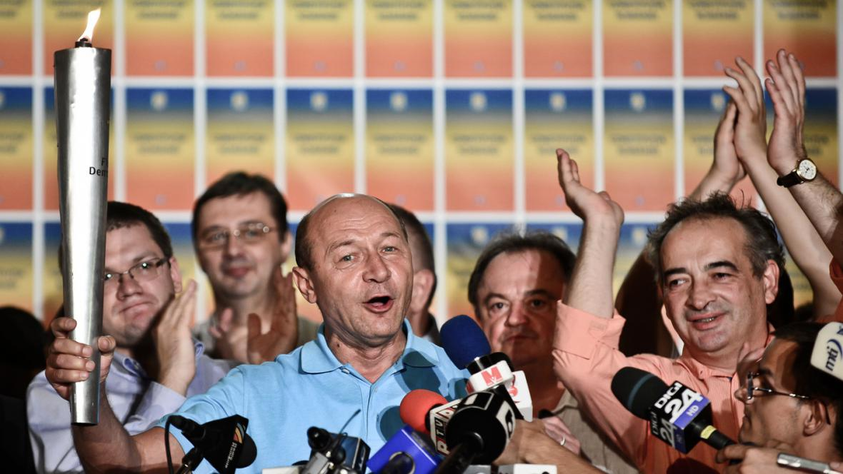 Traian Basescu s pochodní demokracie