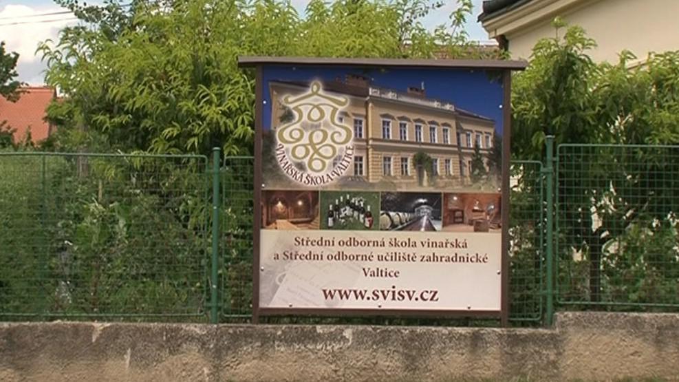 Vinařská a zahradnická škola ve Valticích