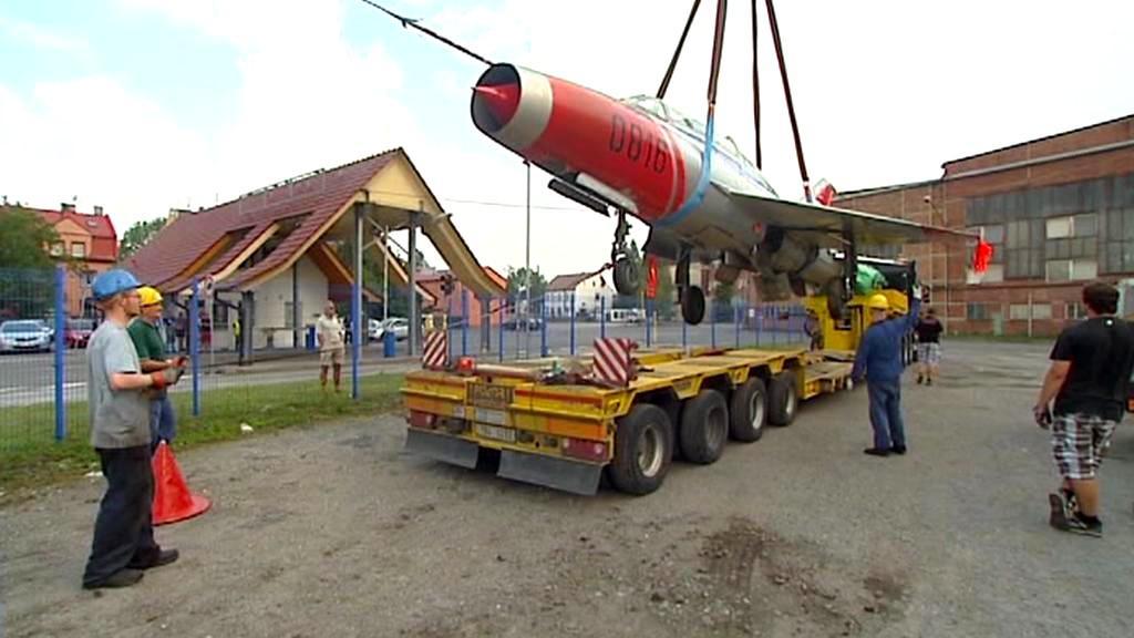 Skládání stíhačky MiG-21