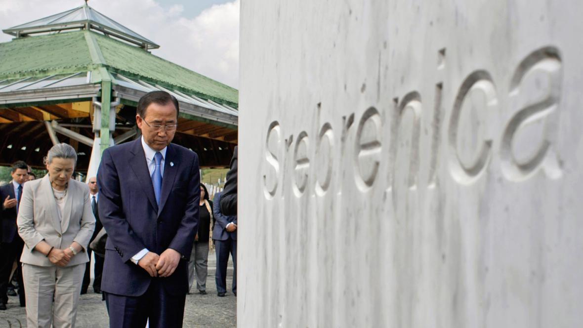 Pan Ki-mun na návštěvě Srebrenice