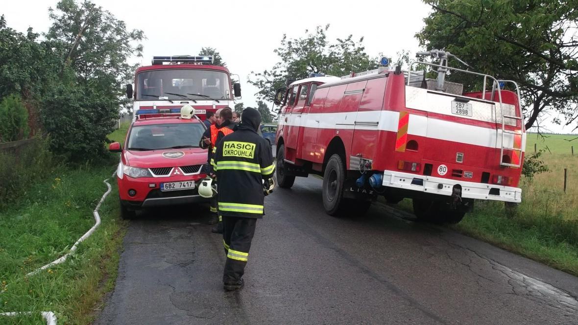 V Benešově zasahovalo deset jednotek hasičů