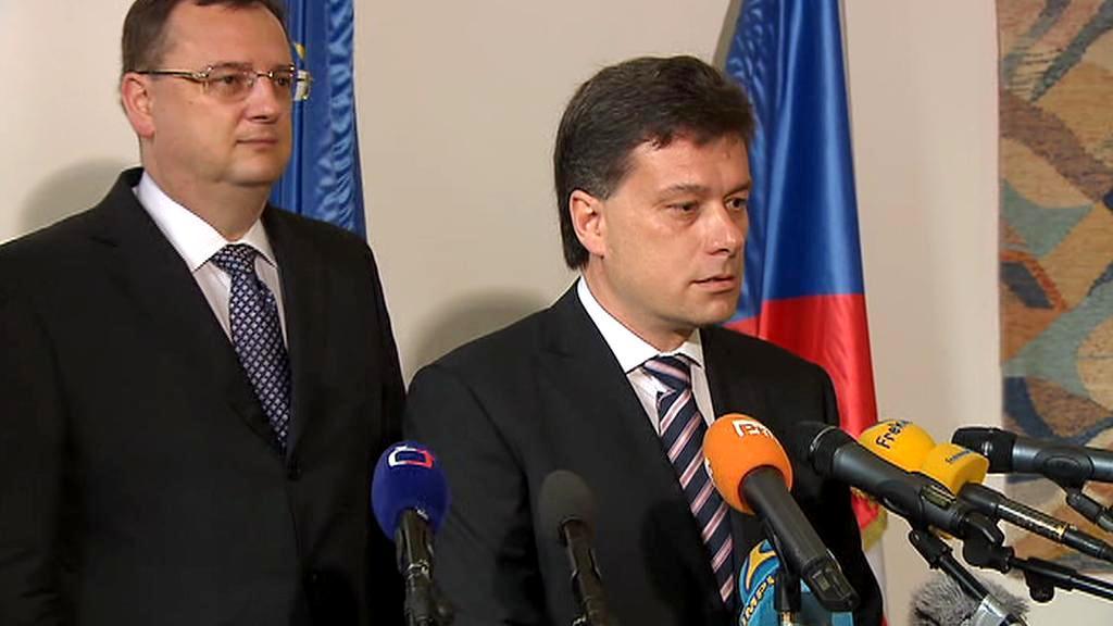 Ministr spravedlnosti Pavel Blažek s premiérem Nečasem