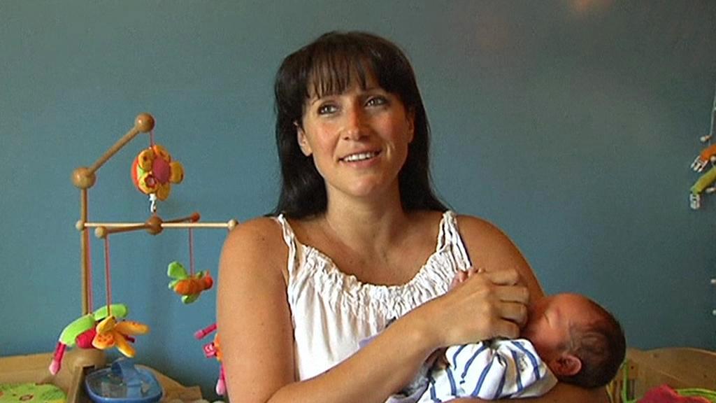 Séverine Valençotová se svým třetím synem Charleyem