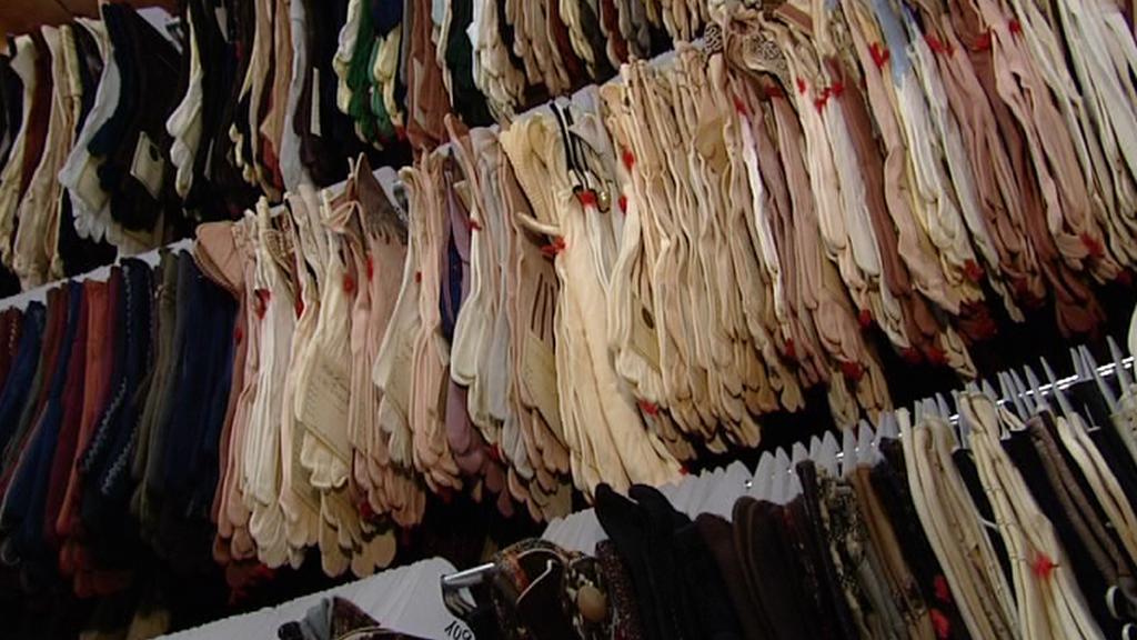 Textilní rukavice z ašské sbírky