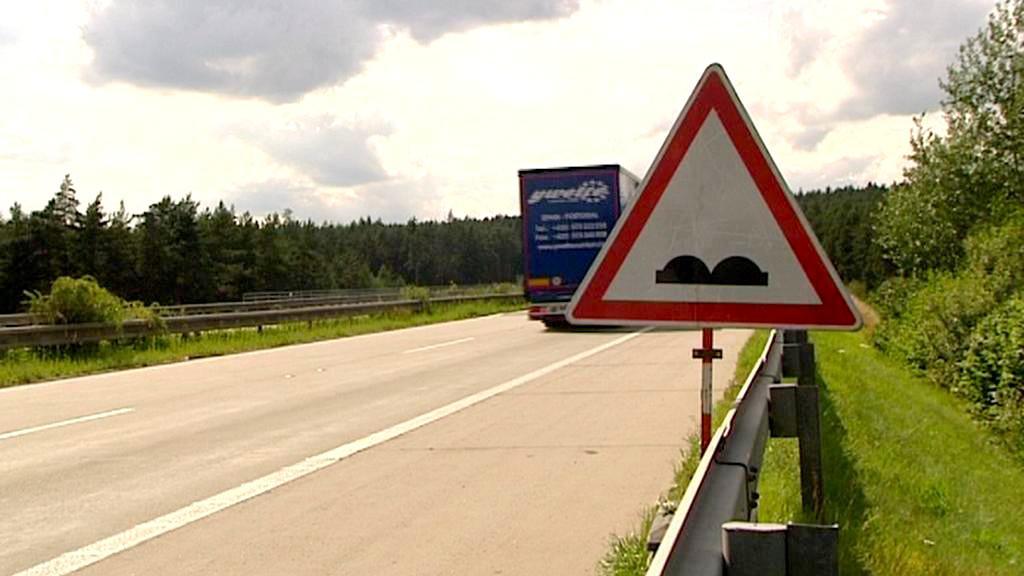 Zvlněná dálnice D5 na Tachovsku