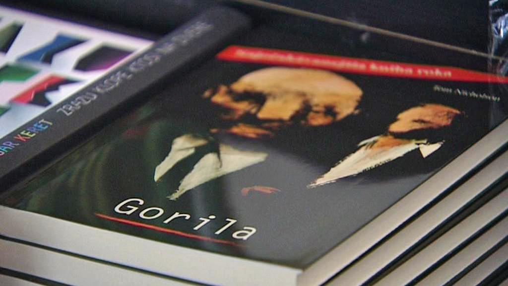 Nicholsonova kniha Gorila