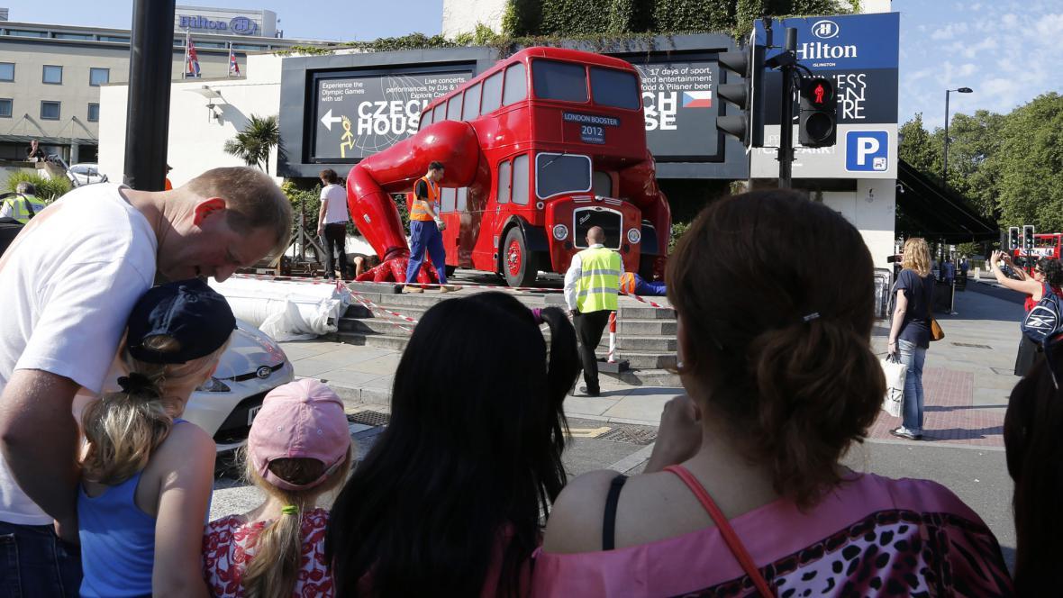 Klikující autobus