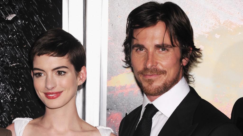 Anne Hathaway a Christian Bale