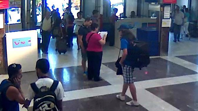 Údajný sebevražedný útočník na záběrech bezpečnostní kamery