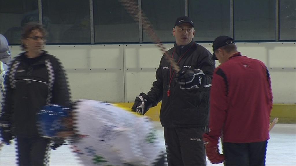 Kromě Krátošky má vše pod dohledem i hokejový expert Milan Antoš