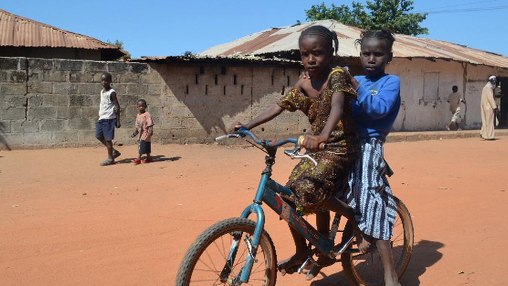 Pro africké děti je často kolo nezbytností