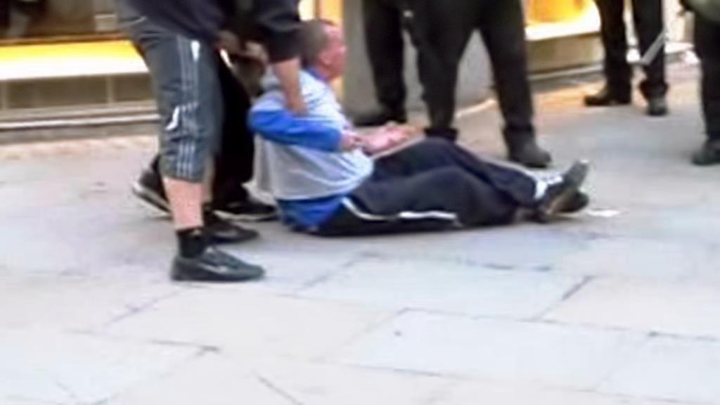 Ian Tomlinson po napadení britskou policií