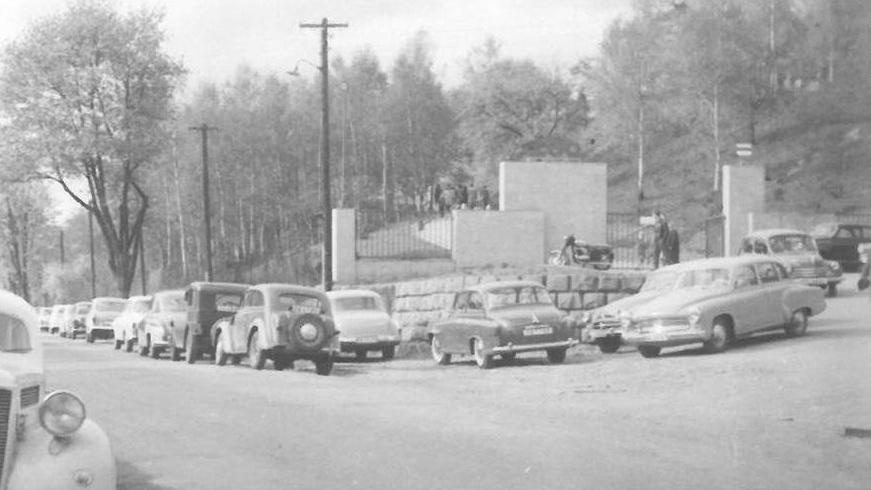 Problémy s parkováním u zoo byly už v minulosti