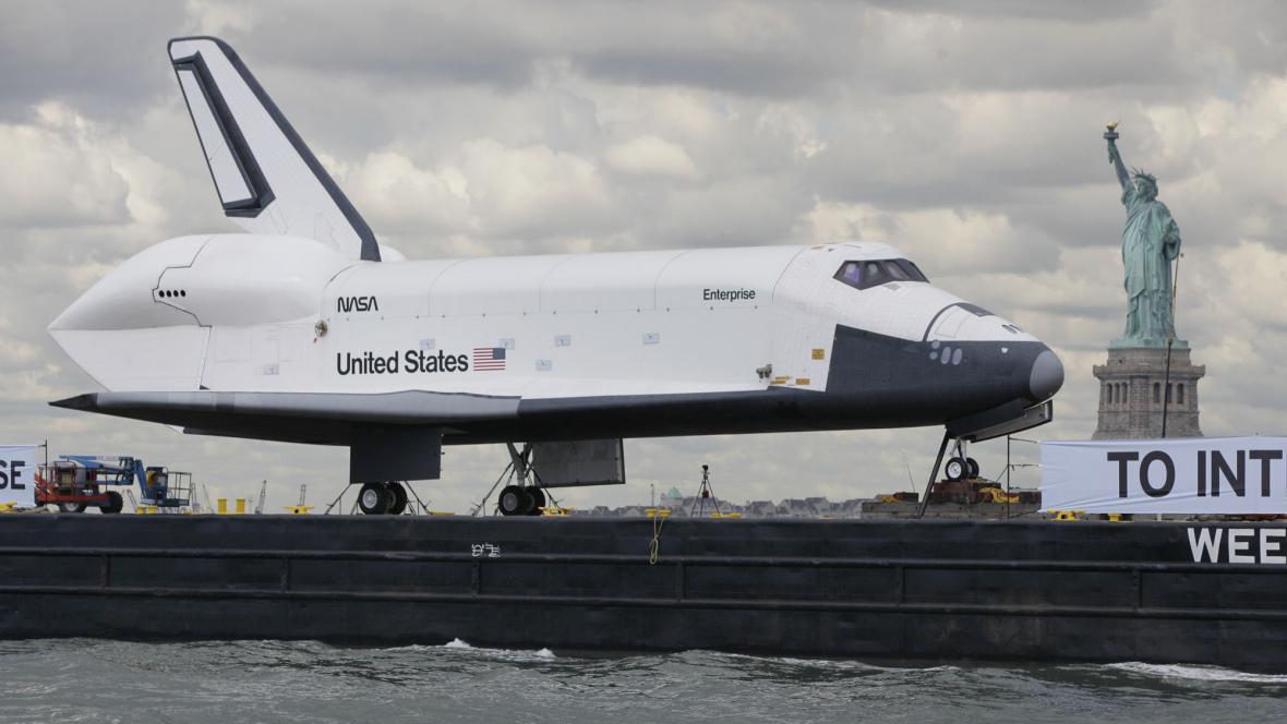 Enterprise doplul do New Yorku