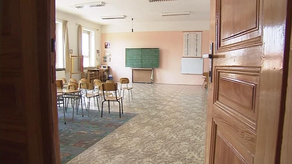 Třídy určené pro školáky jsou prázdné