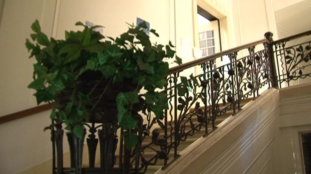 Secesní zábradlí u schodiště