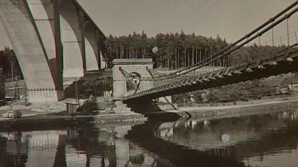 Řetězový most přes Vltavu