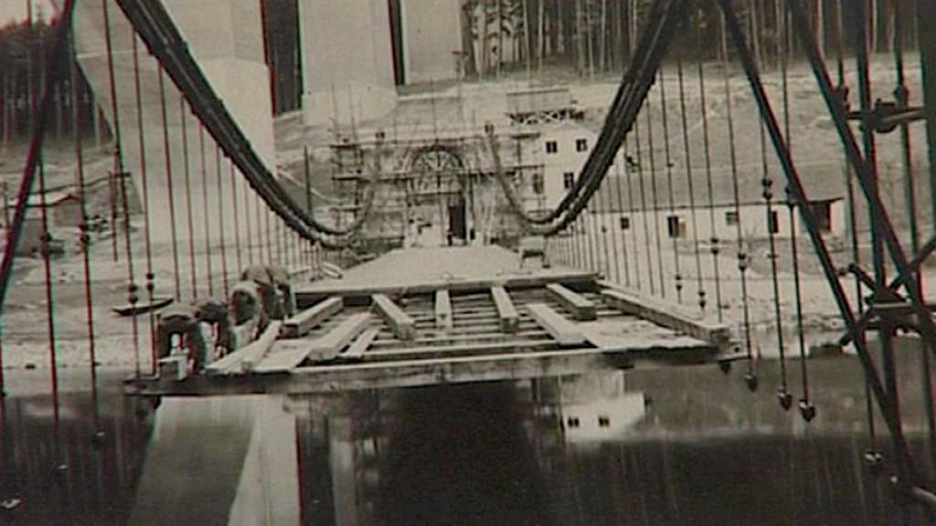 Přesun řetězového mostu