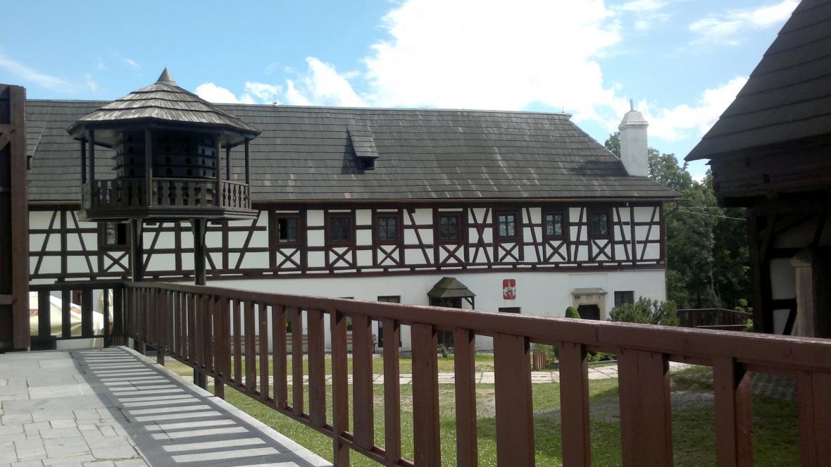 První nádvoří hradu Seeberg