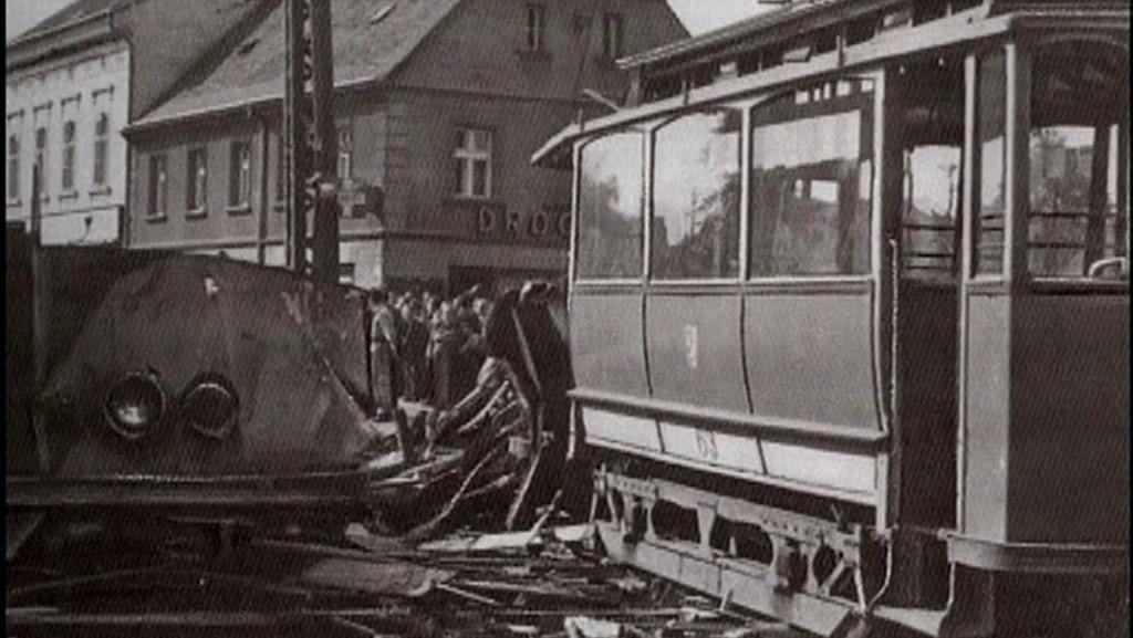 Dobová fotografie z místa nehody
