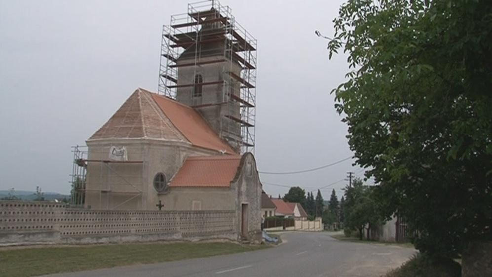 Opravy kostelů dofinancovávají samy církve