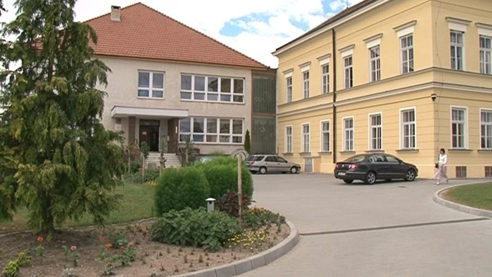 Střední vinařská škola a odborné zahranické učiliště ve Valticích