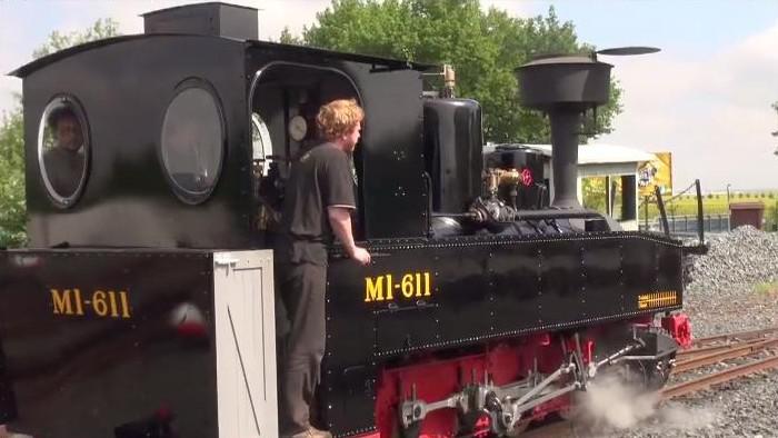 Parní lokomotiva MI-611