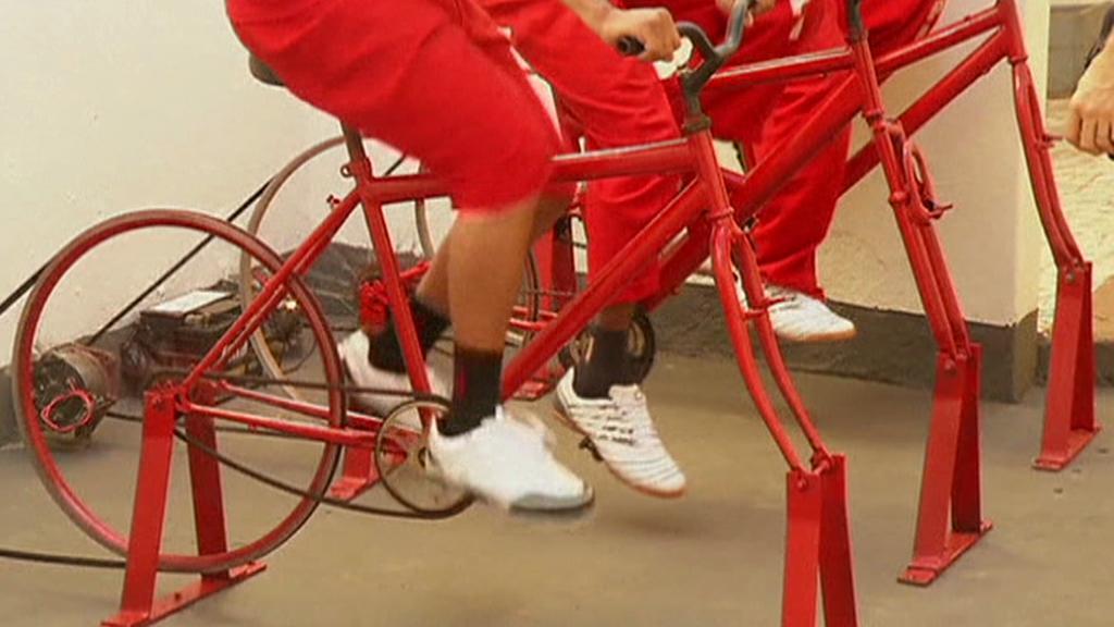 Vězni šlapou na kole za svobodou
