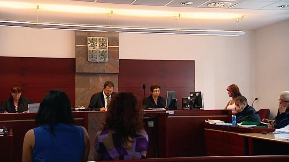 Soud začal projednávat případ imigrační agentury