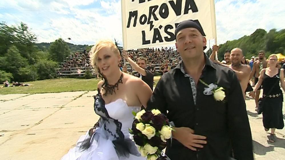 Lenka a Vladan se vzali na Masters of Rock