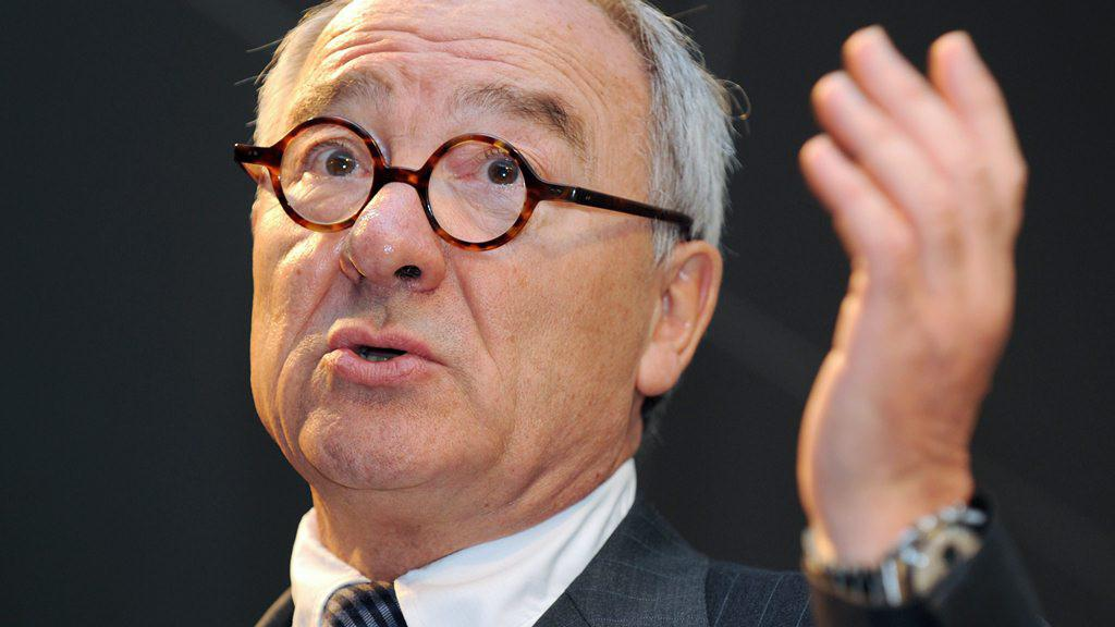 Generální ředitel Evropské kosmické agentury Jean-Jacques Dordain během proslovu ve Farnborough