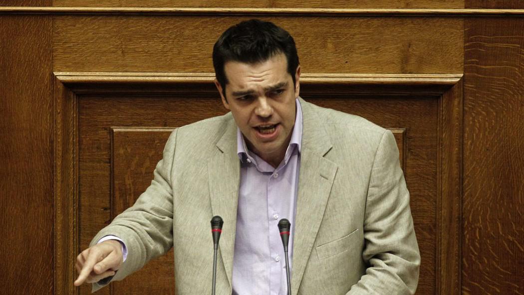 Předseda Koalice radikální levice (SYRIZA) Alexis Tsipras hovoří před hlasováním o důvěře