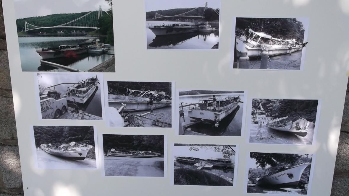 Vzpomínky na vyhořelou loď Dyji