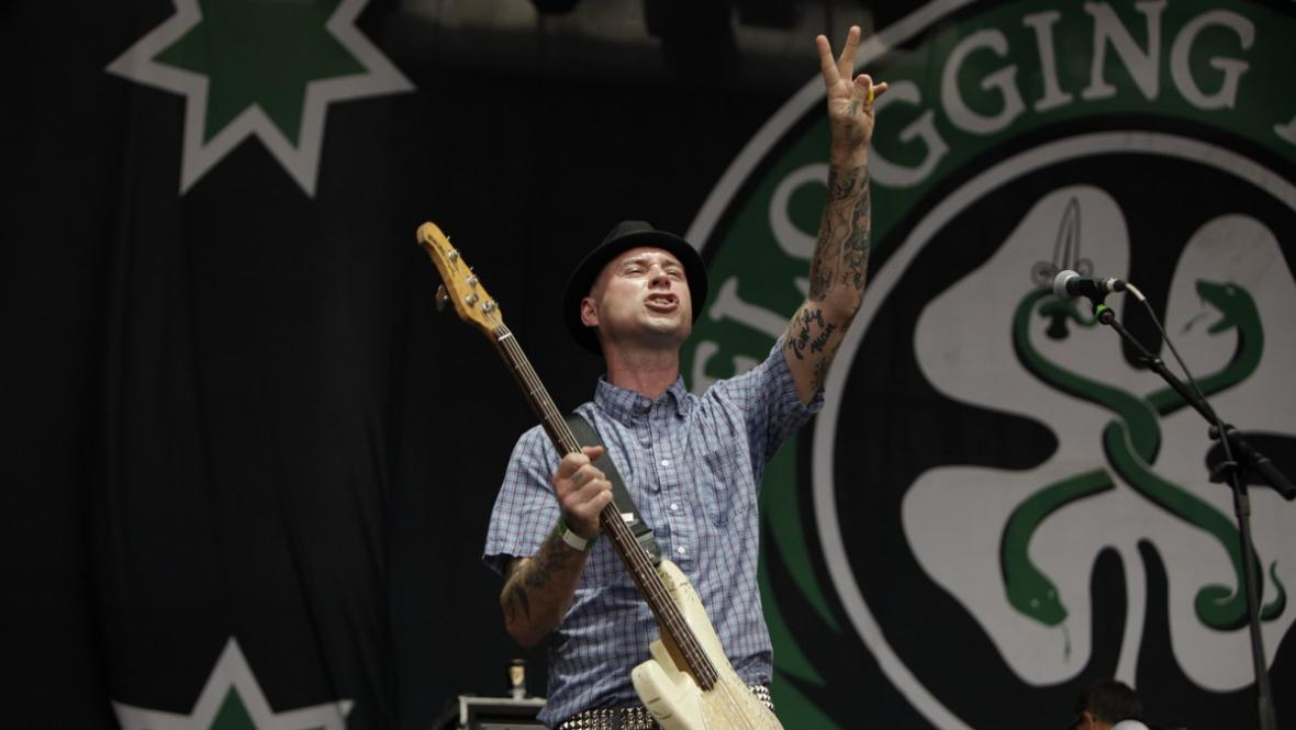 Flogging Molly na Rock for People 2012