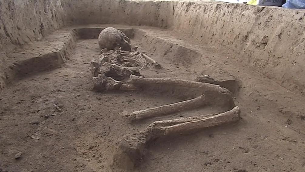 Podle uložení těla archeologové usoudili, že jde o kostru ženy