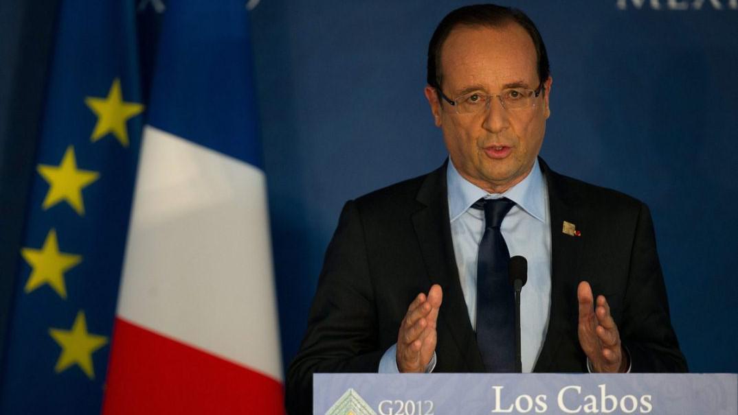 Francouzský prezident François Hollande hovoří během tiskové konference na summitu G20