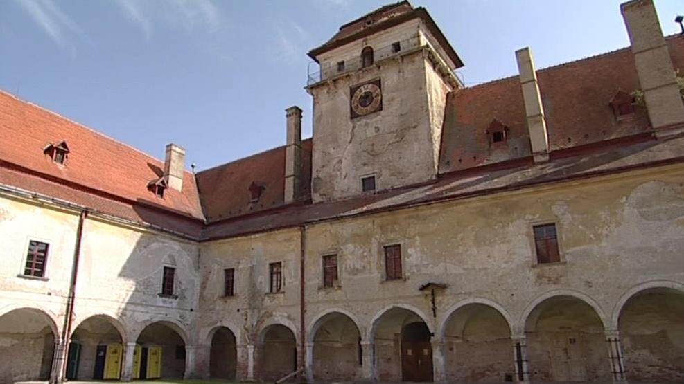 Nový majitel renesančního zámku zatím vyčkává na rozhodnutí soudu
