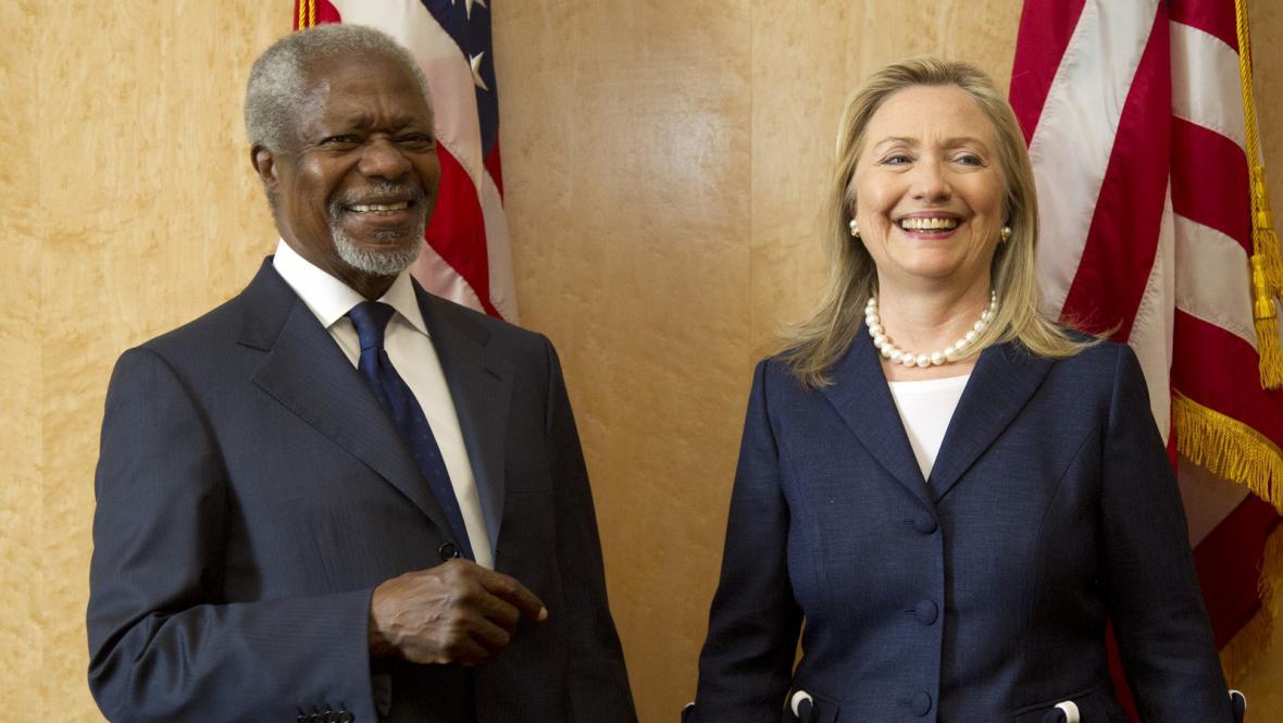Hillary Clintonová a Kofi Annan v Ženevě