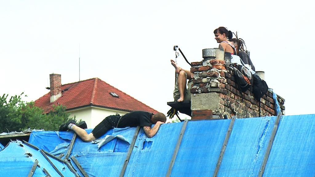 Squatteři na střeše Milady