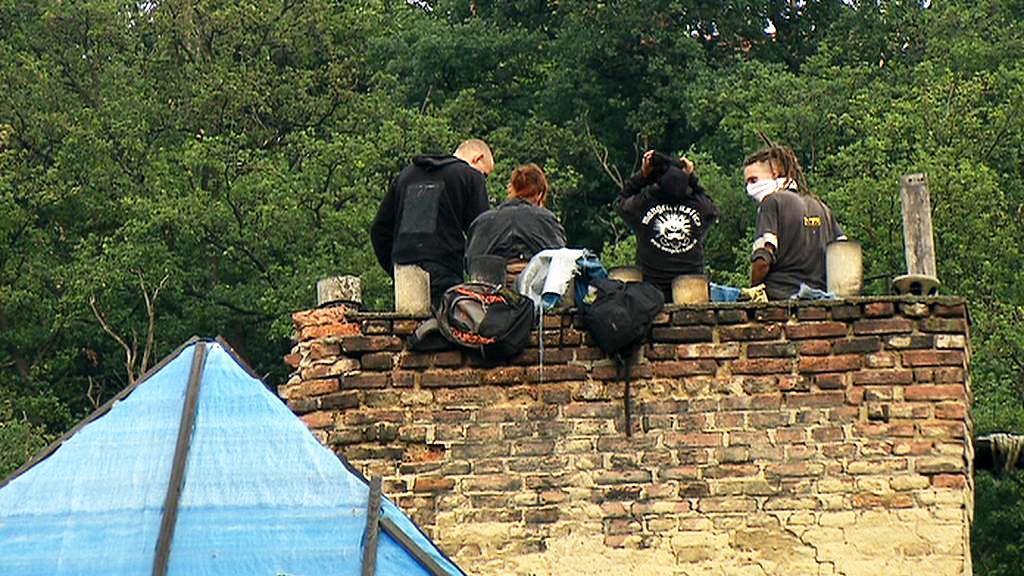Squatteři na komíně vily Milada