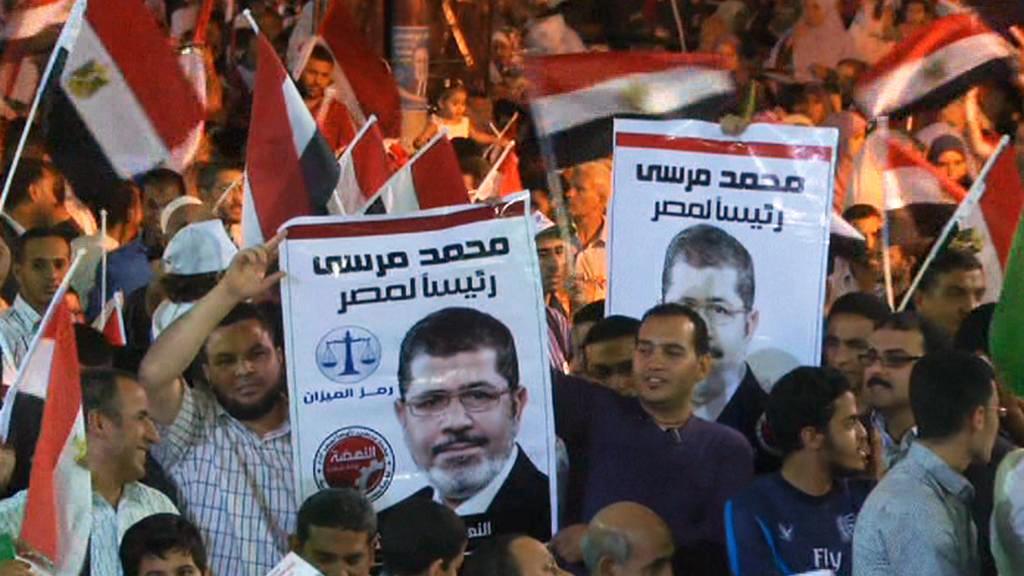 Příznivci Mursího oslavují výsledky voleb