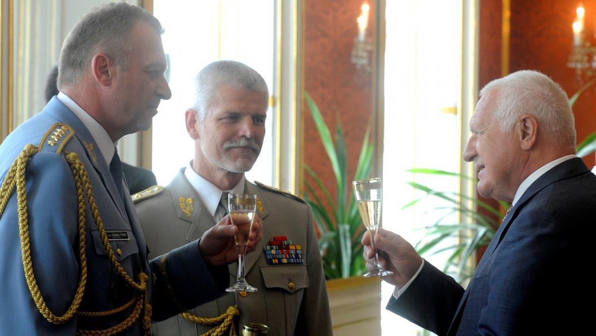 Klaus jmenoval Pavla armádním velitelem