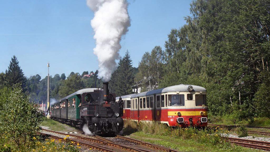 Parní lokomotiva v Kořenově