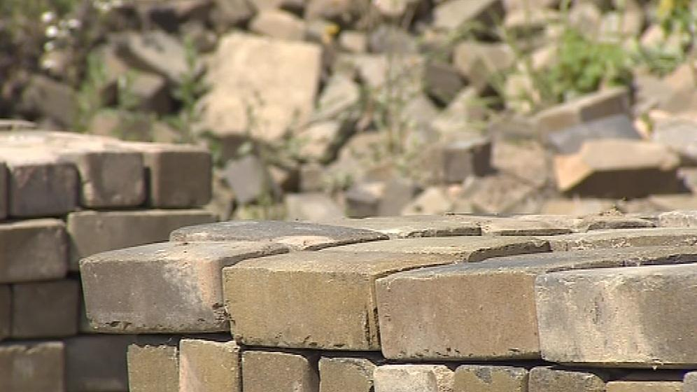 Stavební materiál chce město rozprodat