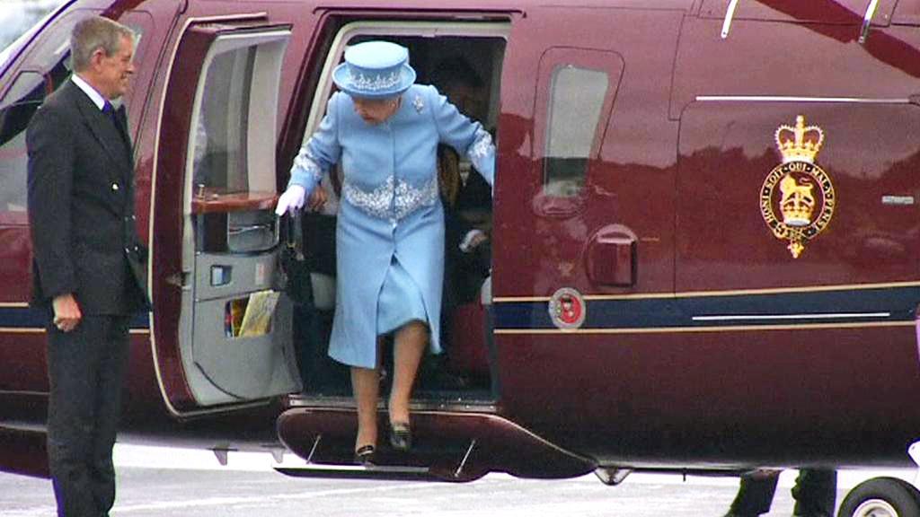 Alžběta II. na návštěvě Severního Irska