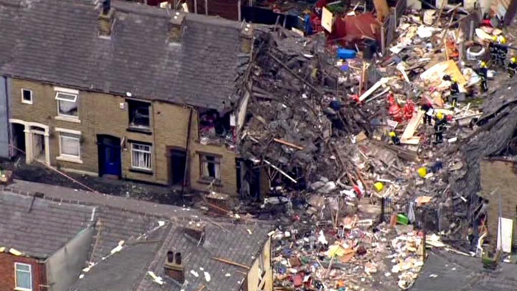 Výbuch v domě v Oldhamu