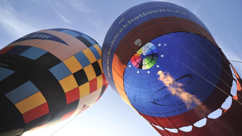V Radešíně začalo mistrovství v balonovém létání