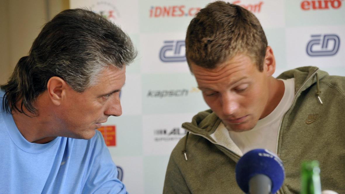 Tomáš Berdych s kapitánem Navrátilem